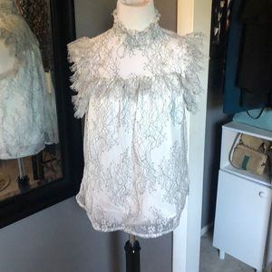 Vintage-looking lace collared shirt